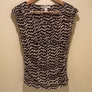 4 for $25 KENETH COLE Zig-Zag Mesh Blouse XS